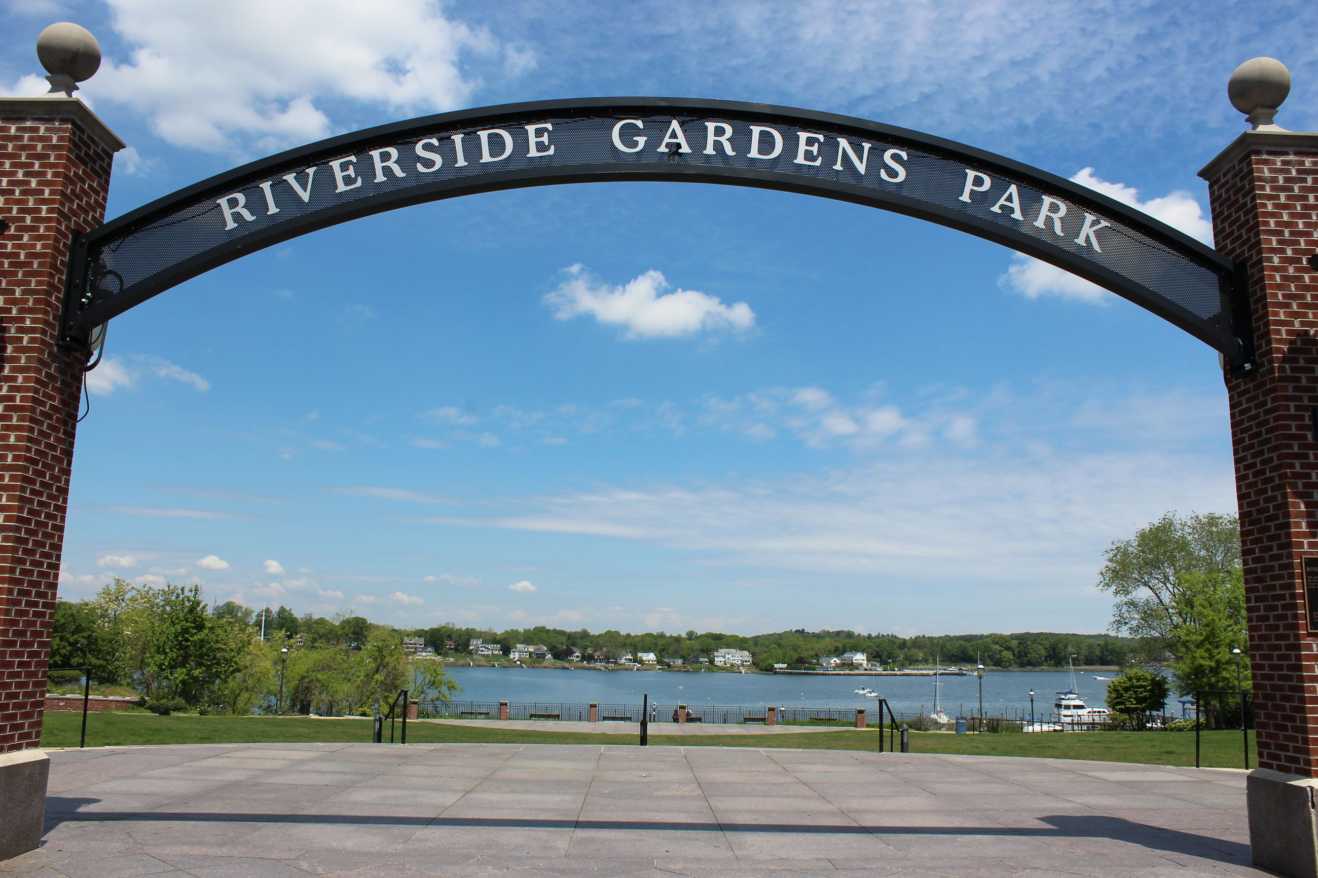 Riverside Gardens Entrance Sign